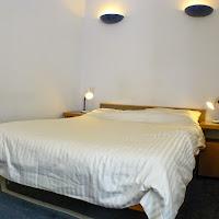 Room C-bed