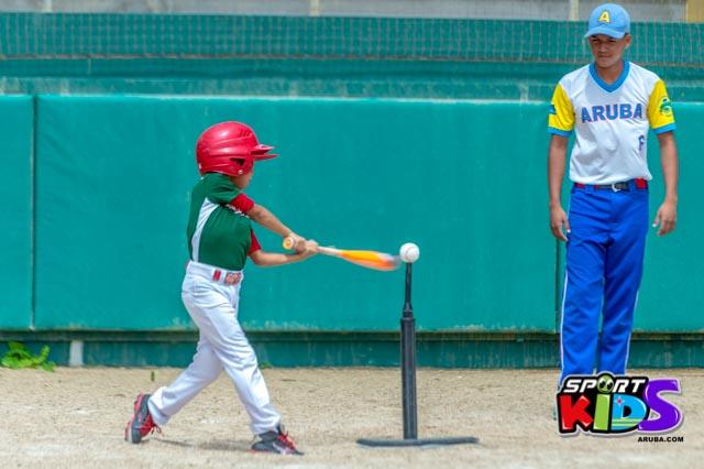 Juni 28, 2015. Baseball Kids 5-6 aña. Hurricans vs White Shark. 2-1. - basball%2BHurricanes%2Bvs%2BWhite%2BShark%2B2-1-3.jpg