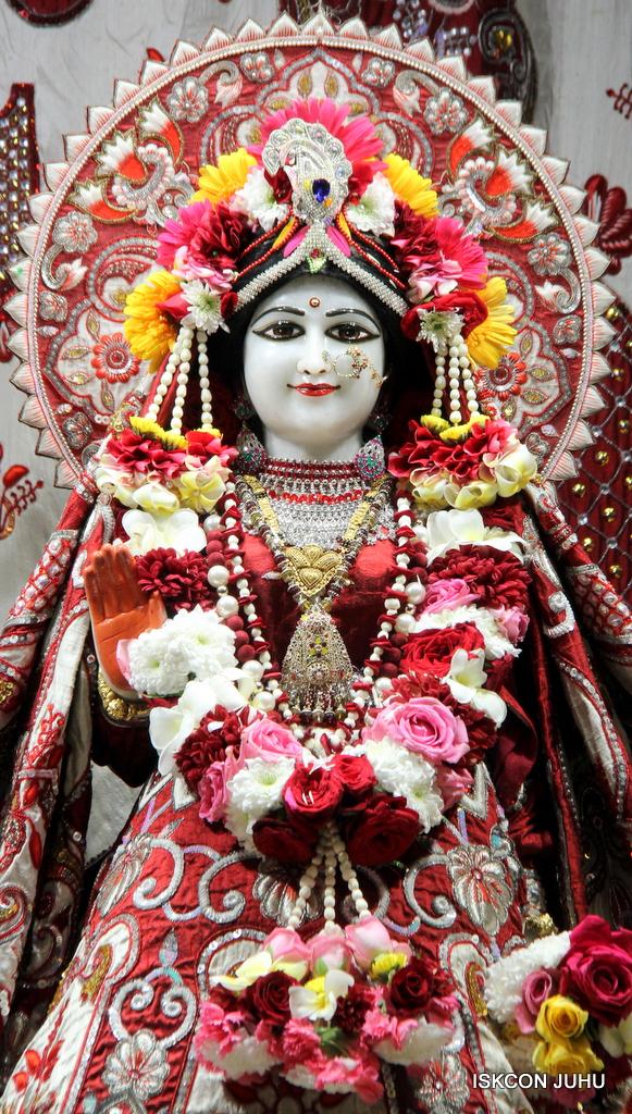 ISKCON Juhu Sringar Deity Darshan on 30th Sep 2016 (12)