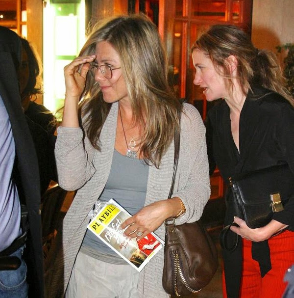 jennifer_aniston_in_aviator_eyeglasses