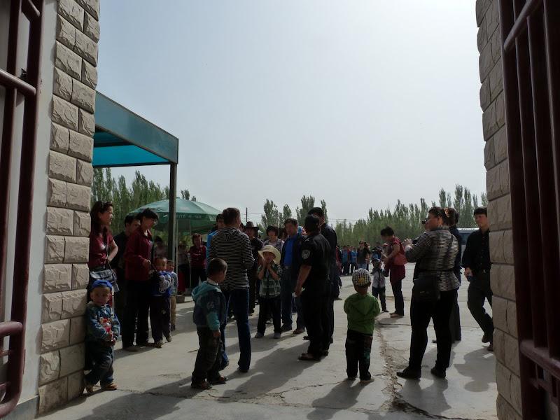 La foule à la sortie de ma visite d'une bonne heure, et j'ai aussi surtout évité les hurlements des hauts parleurs des guides