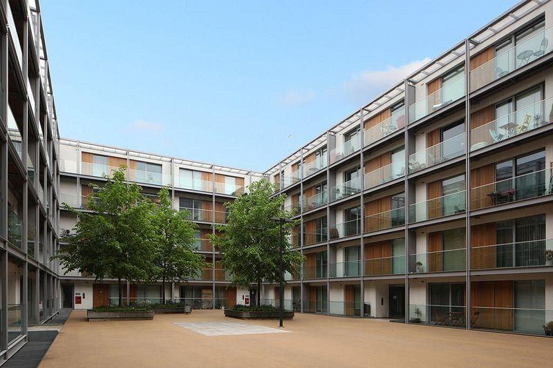 highbury-square-arsenal-2