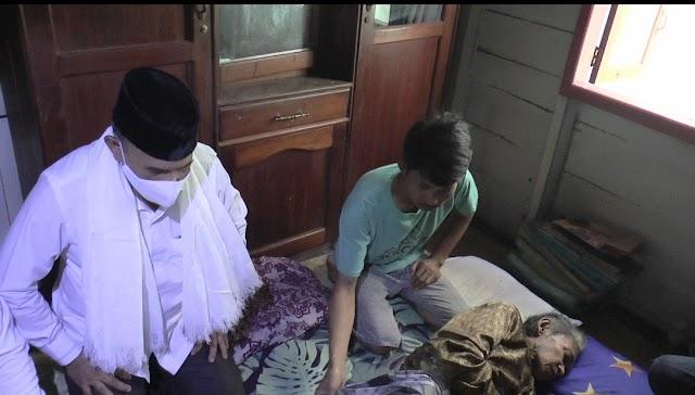 Jenguk Warga Sakit, Cawabup Rusli Doakan Kesembuhan Budriansyah