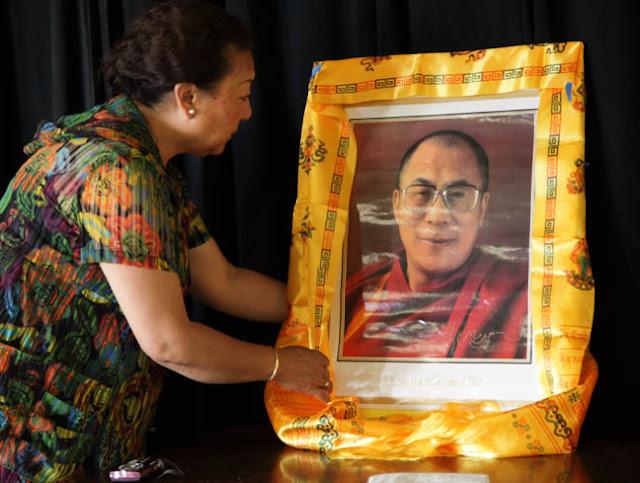 TAW celebrating H.H the Dalai Lama Bday at Magnuson Park 2011 - 0100%2BB%2B72.jpg