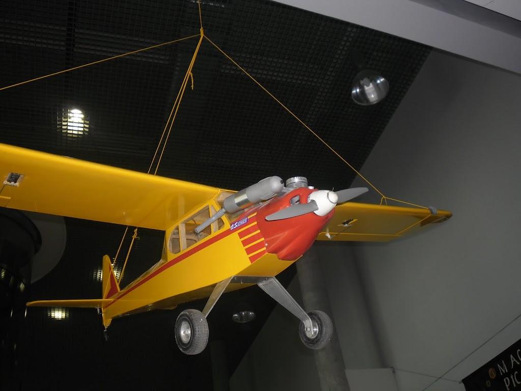 Mikołajkowa Wystawa Lotnicza na PP - SAM_3007.JPG