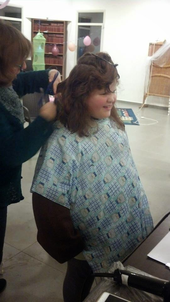 Donating hair for cancer patients 2014  - 1374231_539643512818613_1630749942_n.jpg