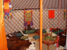 """""""Het kleine Paradijs"""" Yurt accommodatie binnen"""