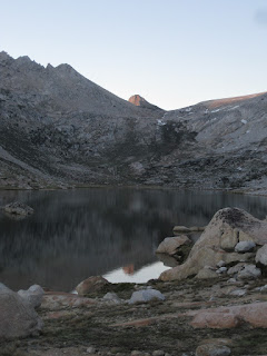 The lake and reflections ©http://backpackthesierra.com