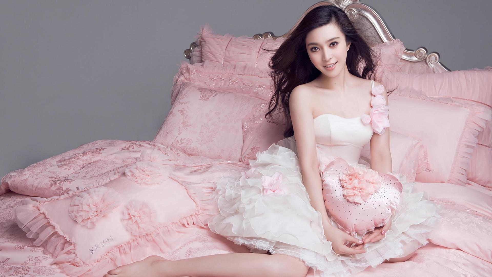 Pretty Asian Girl Wallpaper HD