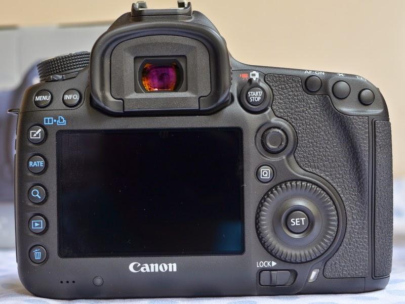 Chuyên máy ảnh 2nd hàng nội địa Nhật xách tay. Chất lượng-uy tín-Giá rẻ! - Page 5 Canon_eos_5D_mark_III_b1