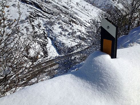 Schnee auf der Nordseite des Elburs-Gebirge, Chalus-Road, Iran