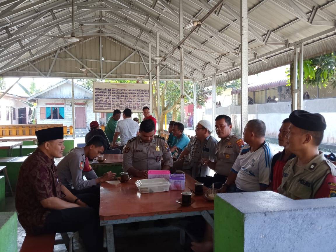 Sat Sabhara Polres Tanjung Balai Kombur Kombur Warung Kopi Sambil Titip Pesan Kamtibmas