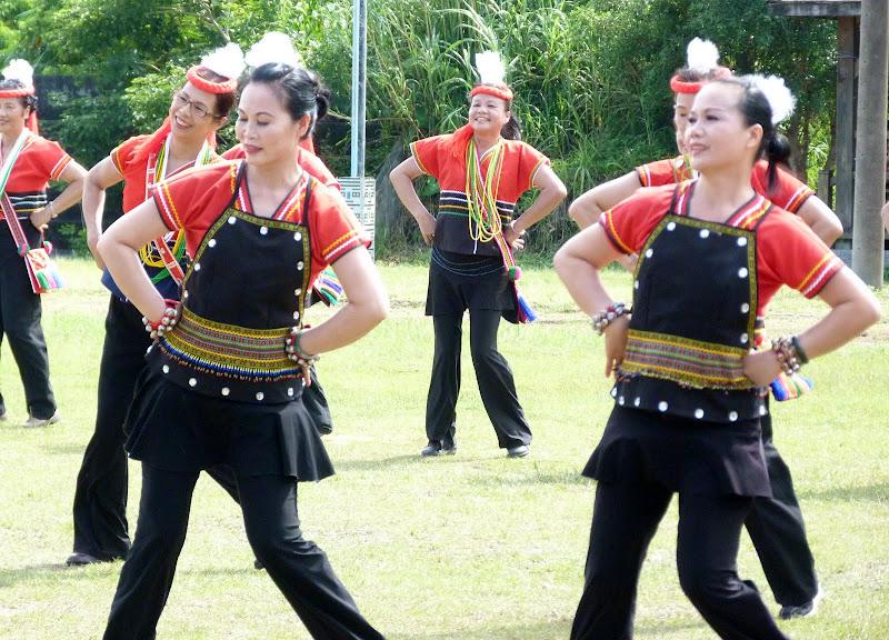 Hualien County. Liku lake. Danses Amis J 2 - liyu%2B2%2B335.JPG
