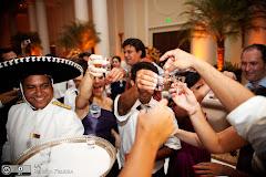 Foto 2898. Marcadores: 28/11/2009, Casamento Julia e Rafael, Chapeu Mexicano, Garcom, Rio de Janeiro, Sombrero