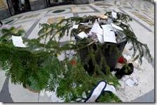 Rubato albero di Natale in Galleria Umberto