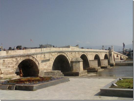 Скоп'є, міст через Вардар