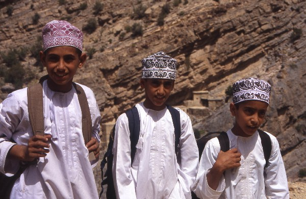 Omani boys (photo credit: mountainkingdoms.com)