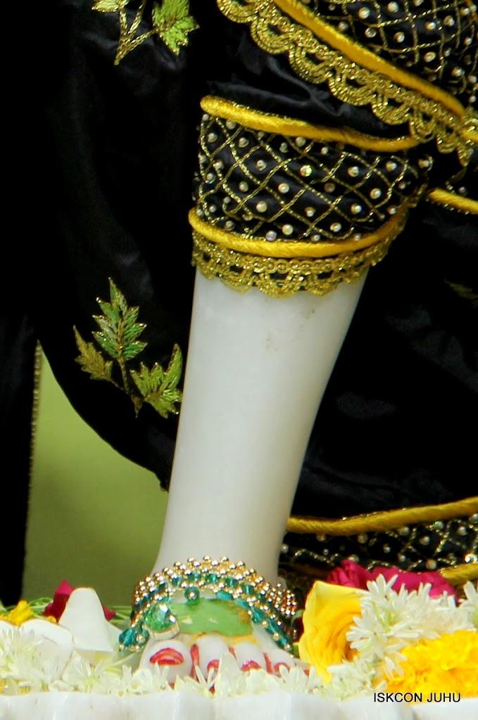 ISKCON Juhu Sringar Deity Darshan on 2nd July 2016 (44)