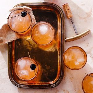 Honey Buzz Cocktail.