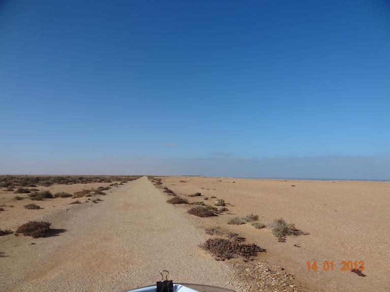 Marrocos e Mauritãnia a Queimar Pneu e Gasolina - Página 5 DSC05804