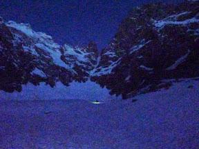 Levé du jour, couloir des Avalanches en vue