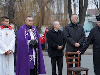 10 Masicza Róbert plébános, Puss Sándor, jezsuita szerzetes és Sill Aba Ferenc atya.JPG