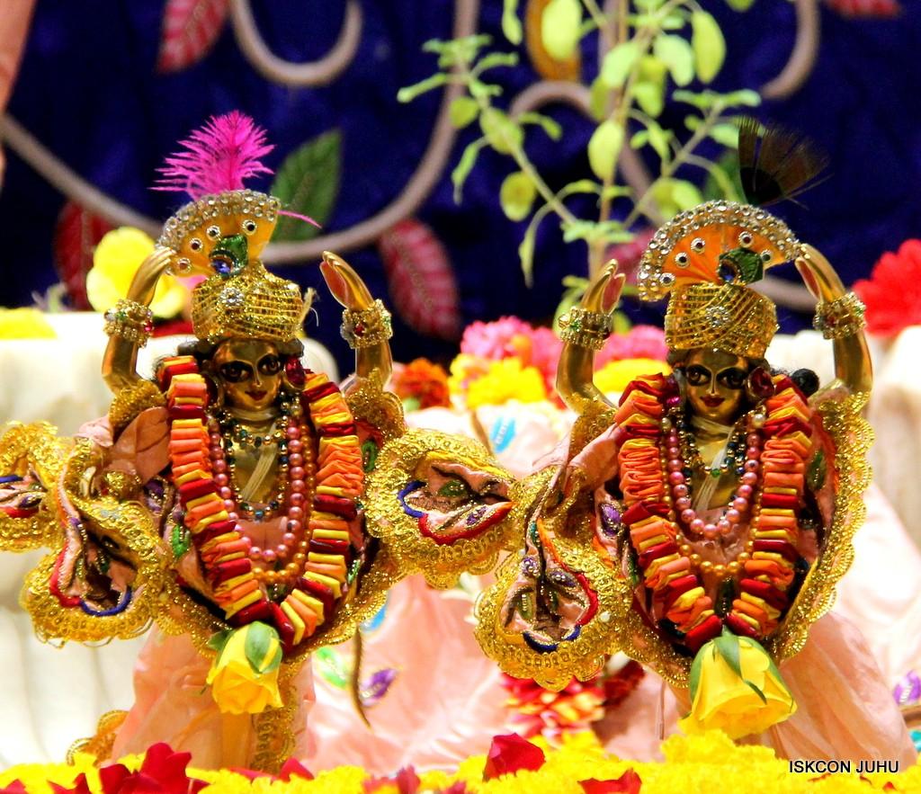 ISKCON Juhu Sringar Deity Darshan 10 Jan 2017 (72)