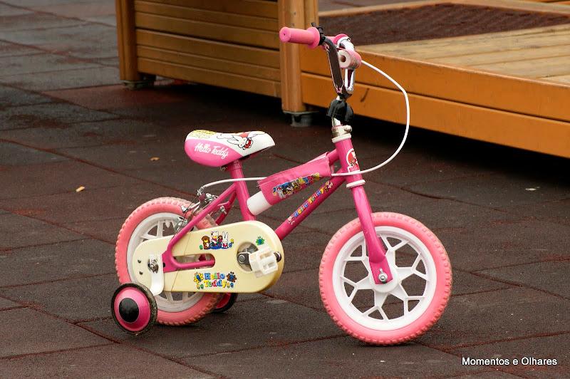 Bicicleta no jardim Infantil