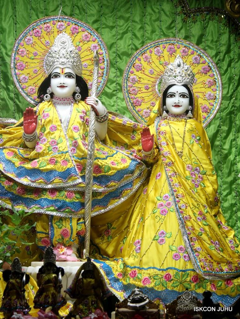 ISKCON Juhu Mangal Deity Darshan on 2nd July 2016 (7)