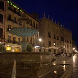 Granada und Generalife bei Nacht 2013-04-04