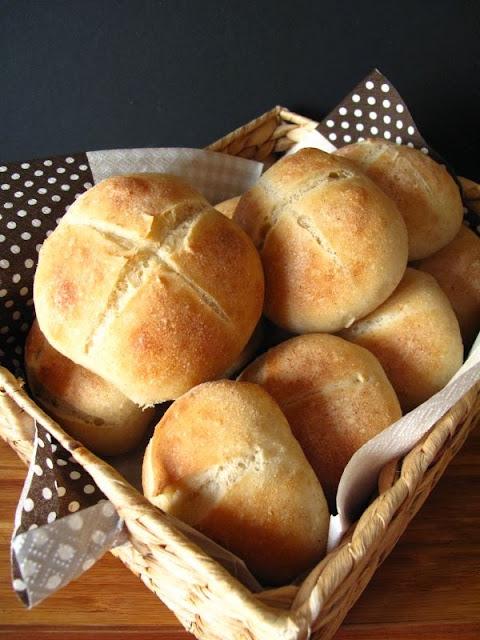 Bułeczki pszenne zwyczajne na bidze (mąka 650)