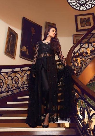Hira Mani black Photoshoot
