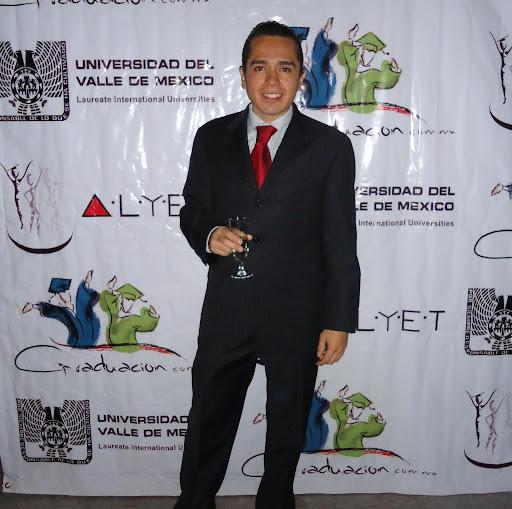 Edgar Lara Photo 29