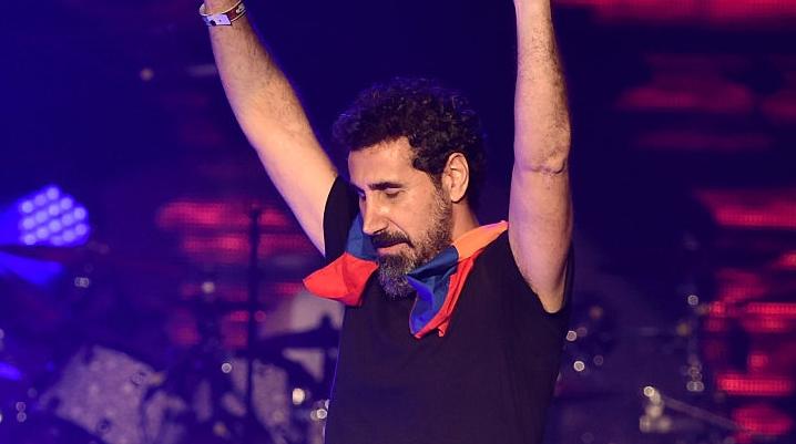 Serj Tankian recebe homenagem por sua contribuição ao reconhecimento do genocídio armênio