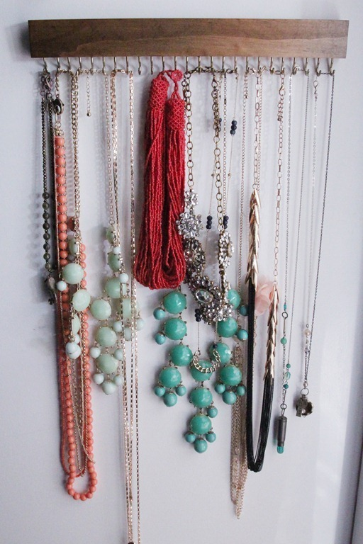 Closet-Jewelry-Holder-5_thumb