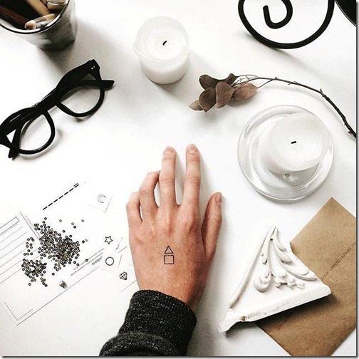 los_elementos_geomtricos_de_contorno_dejan_el_tatuaje_an_ms_discreta
