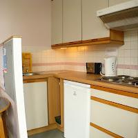 Room J-kitchen