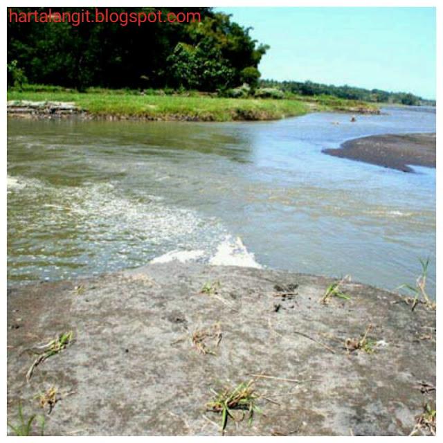 gambar sungai tempuran tempat untuk topo kungkum
