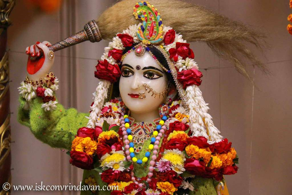 ISKCON Vrindavan Sringar Deity Darshan 18 Dec 2015 (1)