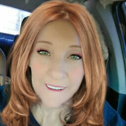 user Naomi May apkdeer profile image