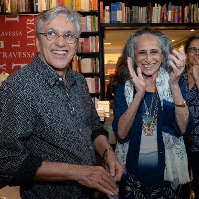 Maria Bethania lancia il libro Caderno de Poesias e inaugura una serie di progetti