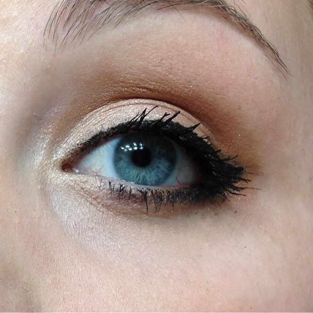 Sparkle Shimmer Style Simple Neutral Eye Makeup Using Drugstore