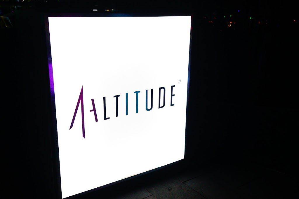 Singapore rooftop bar and restaurant 1 altitude
