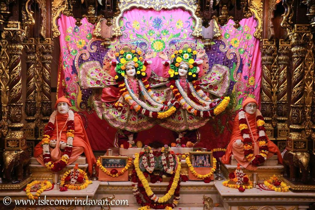 ISKCON Vrindavan Sringar Deity Darshan 14 Jan 2016 (2)