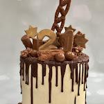 Stars Chocolate Drip cake 1.jpg