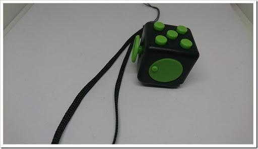 DSC 1339 thumb%25255B2%25255D - 【ガジェット】「XeYOU Fidget Cube (フィジェットキューブ)ストレス解消キューブ」「Readaeer® CREE社製 CREE-T6搭載 超高輝度LED 懐中電灯」レビュー。【フィジェット/小物/LED】