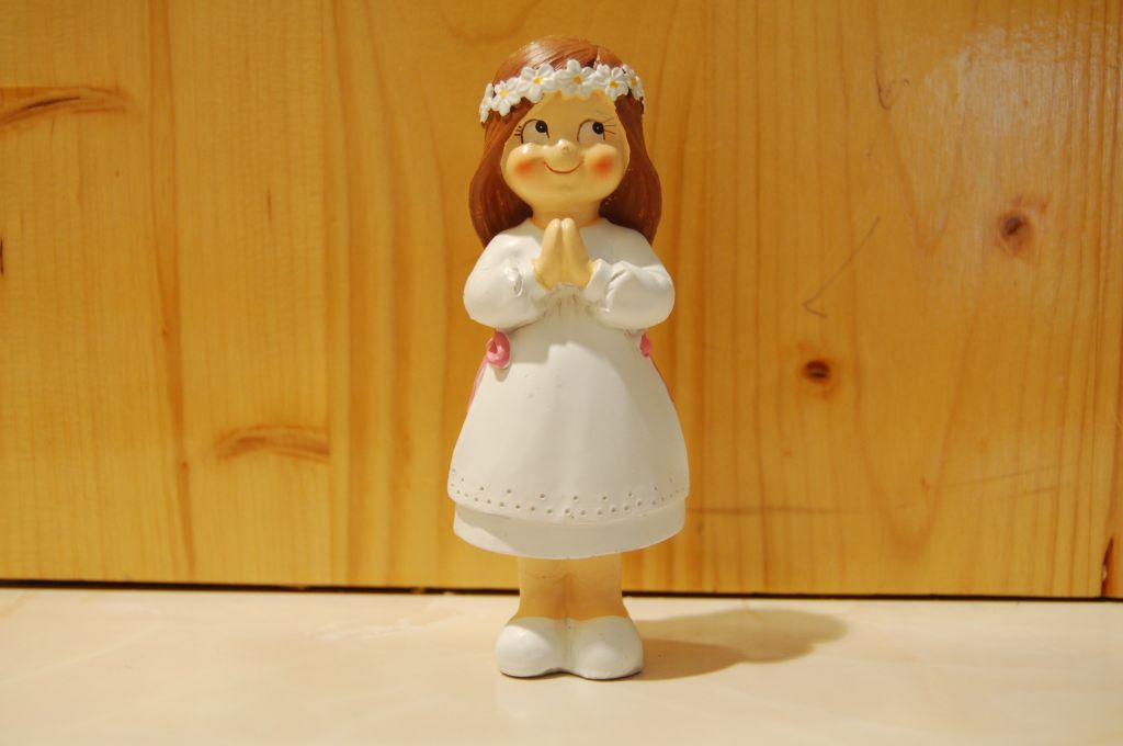 figurine-communinante-couronne-fleurs_1.jpg