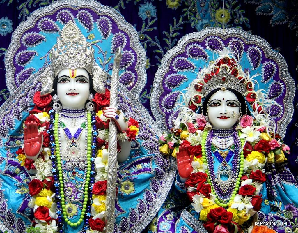 ISKCON Juhu Sringar Deity Darshan on 7th July 2016 (31)