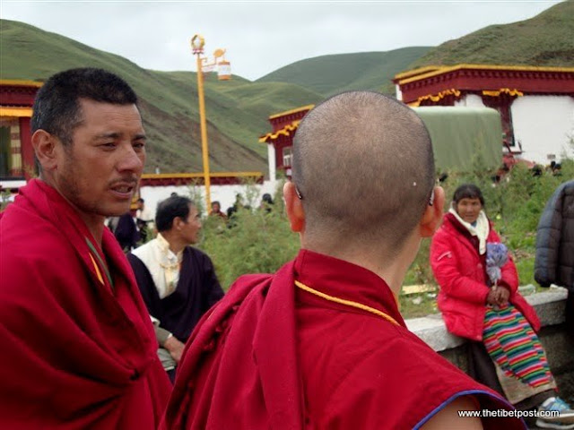 Massive religious gathering and enthronement of Dalai Lama's portrait in Lithang, Tibet. - l4.JPG