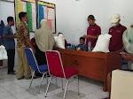 Ratusan KPM Desa Manggungjaya Mendapatkan BST dan PKH